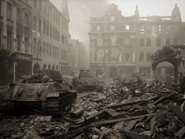 Кто разрушил Берлин?