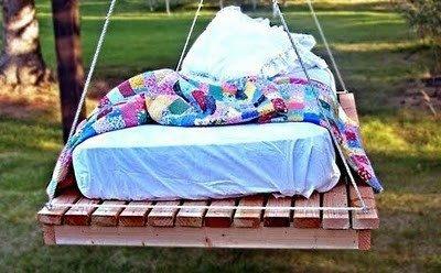 Чем сделать диван на балконе своими руками
