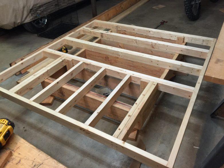 Como hacer una cama flotante taringa for Como hacer tejados de madera