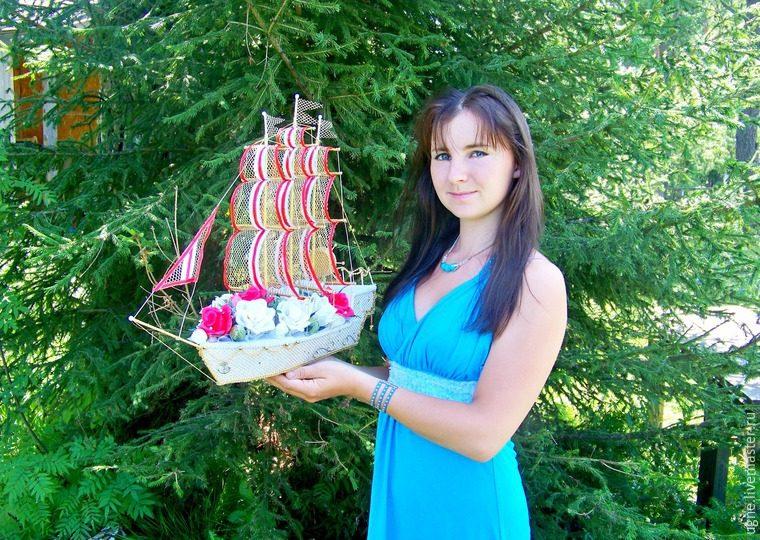Свадебный корабль из конфет