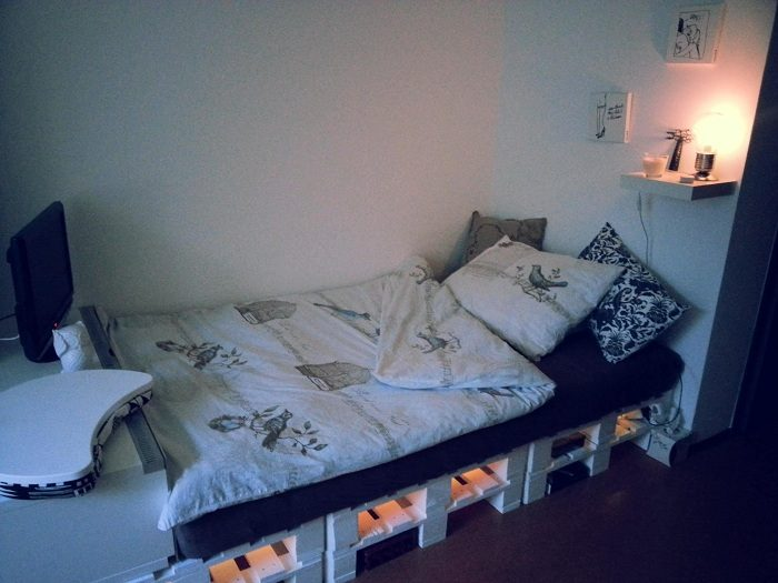 Wooden pallet bed ideas  Pallets Furniture  Wooden