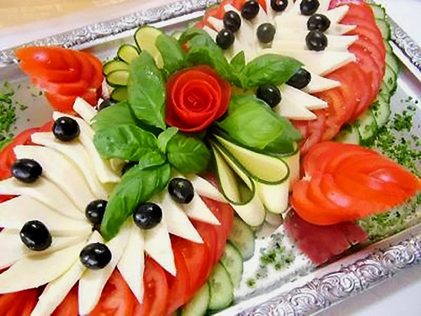 Новогодняя нарезка: овощная тарелка