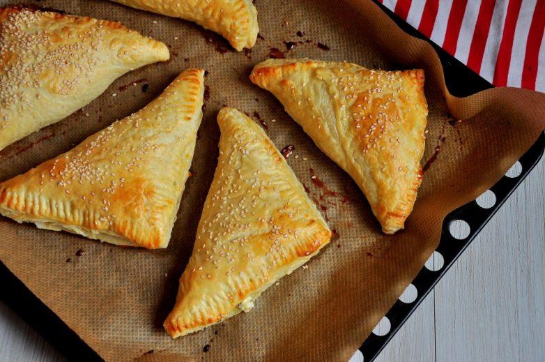 Рецепты слоеное тесто с сыром рецепт 10