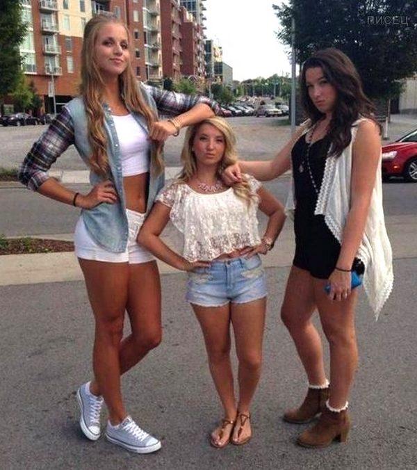 Когда у девушки невысокий рост. Жмите Лайк!