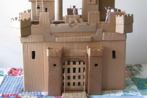 Замок из мусора своими руками 66