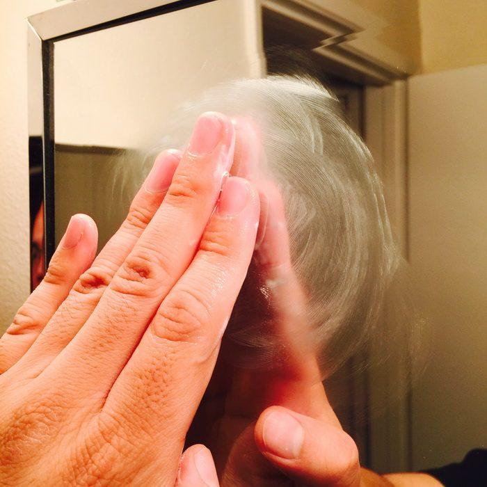 4 простых способа решить проблему запотевшего зеркала в ванной