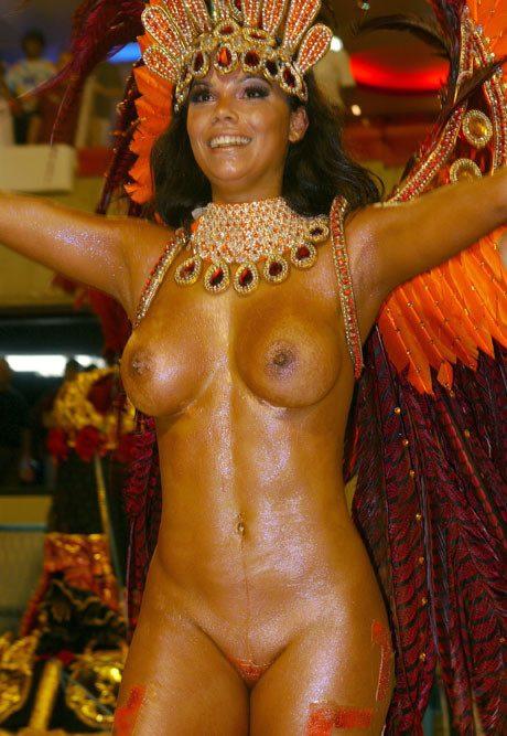 голые девушки на парадах корнавалах видео