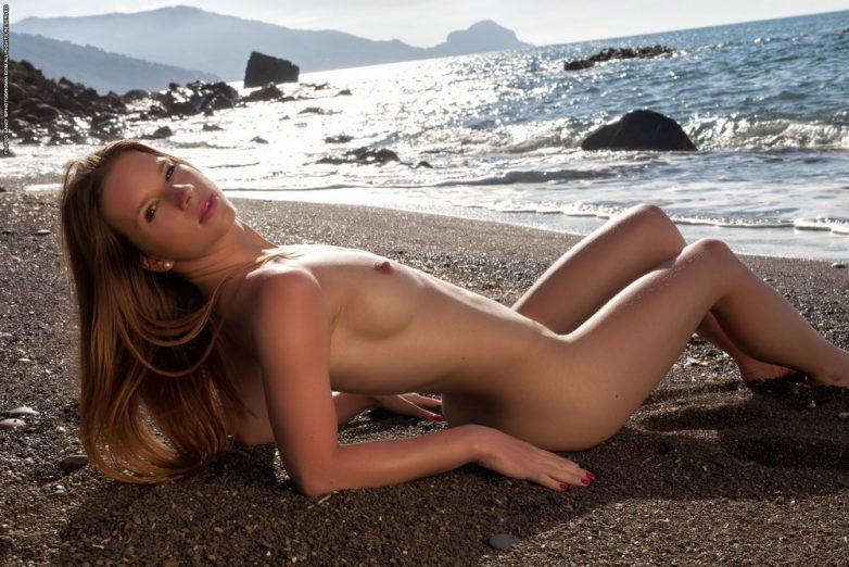 девушки готовы видео пляжная клубничка нем считалось безопасным