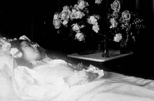 Шокирующие посмертные снимки, от которых вы содрогнетесь