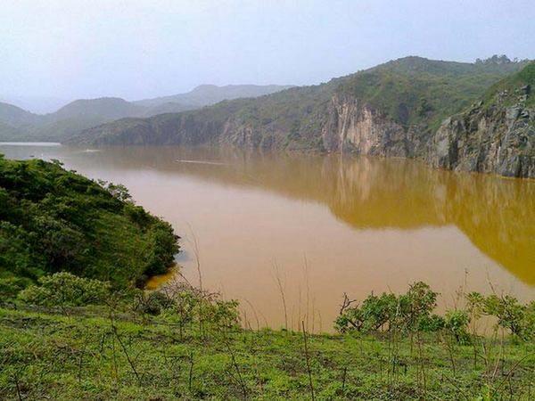 Шокирующее озеро. За одну ночь оно унесло почти 2000 жизней!