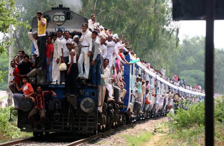 Индийские железные дороги. Эпические кадры!