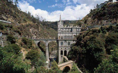Достопримечательности Коумбии: Лас-Лахас — церковь или средневековый замок?