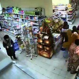 Обычный день российского магазина (видео)