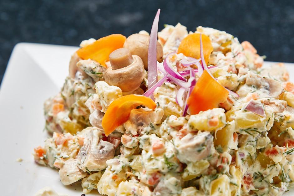 Рецепт салата с маринованными грибами с