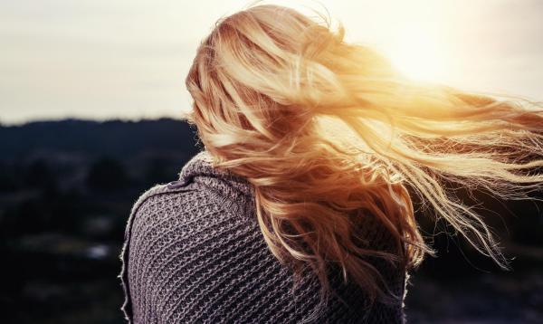 Как сохранить природный объём волос