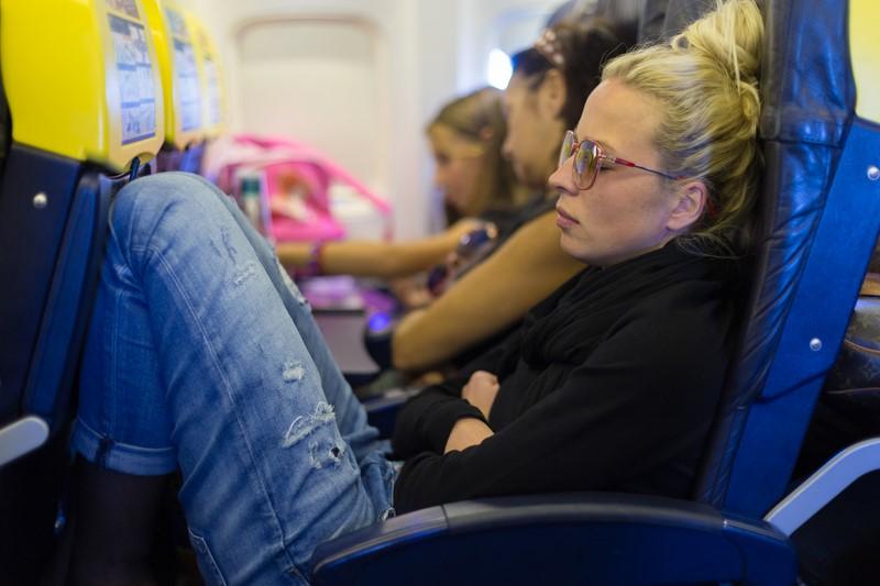 Какую одежду не стоит брать в самолет