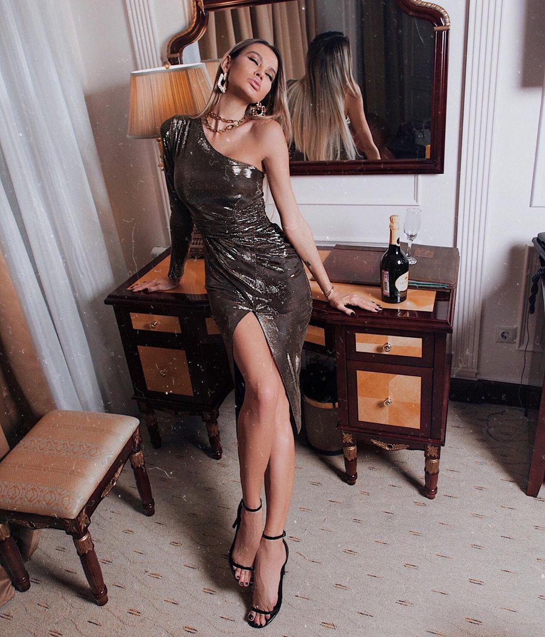 Новогодние платья для сказочного образа