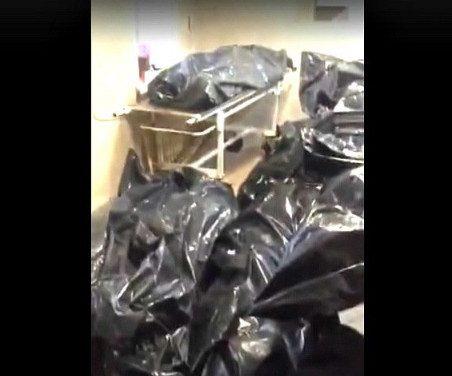 «Приходится ходить по головам»: морг Новокузнецка оказался переполнен телами пациентов с CoViD-19
