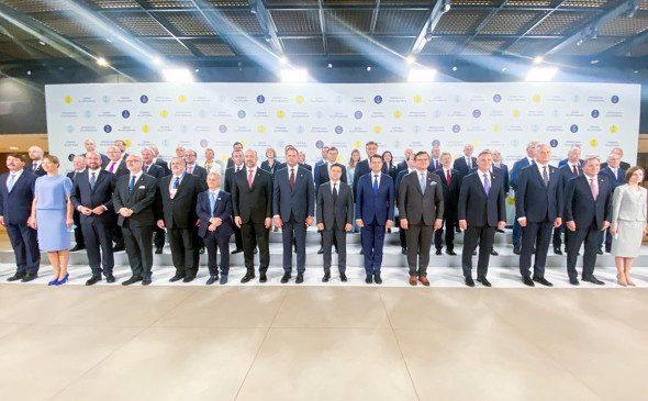 Зеленский пригласил Россию на «Крымскую платформу»