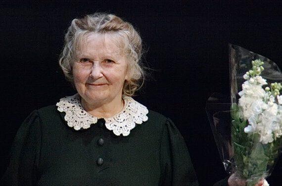 Как сейчас живёт 82-летняя первая жена Табакова, которую он предал и выбрал девушку на 30 лет моложе