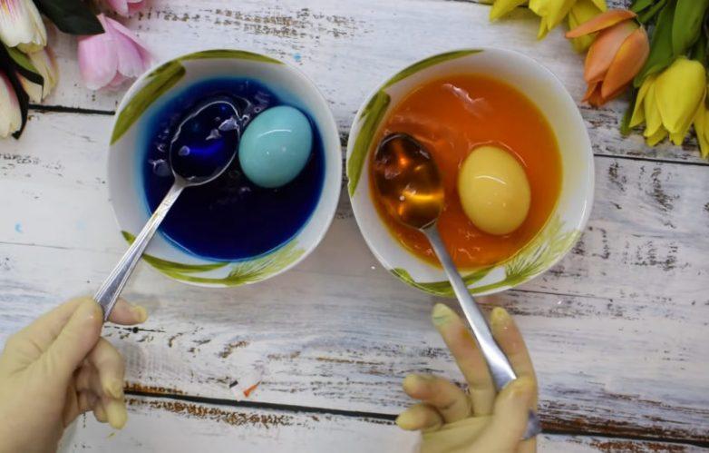 Мраморные пасхальные яйца