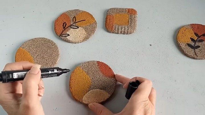 Полезные в быту изделия из песка и клея ПВА