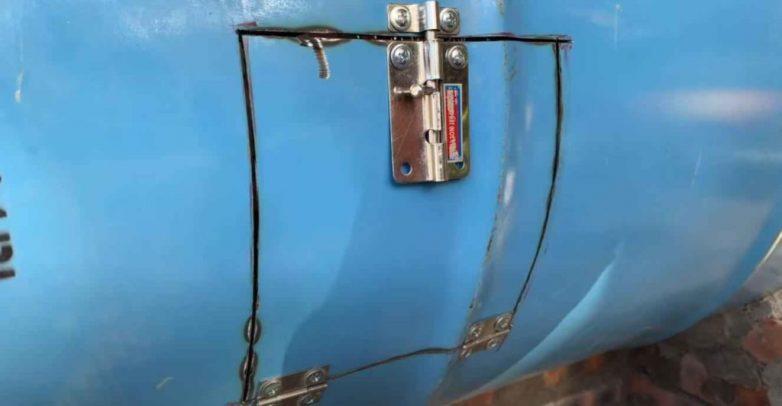 Печь из металлической бочки и кирпичей