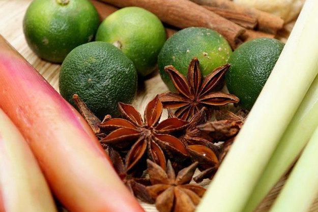 6 легких пряных блюд,  которые помогут согреться весной