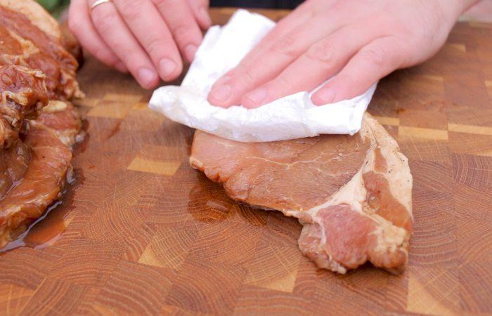 7 способов превратить «жесткую подошву» в нежный и сочный кусок мяса