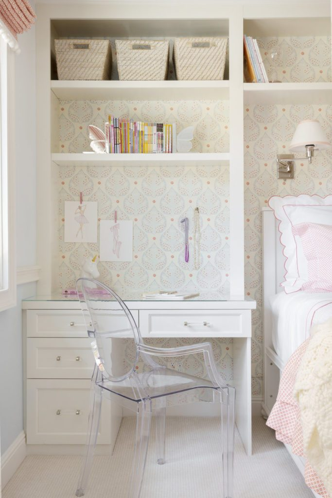 Как освободить место в маленькой спальне