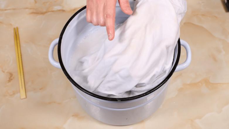 Как отбелить бельё без кипячения и отбеливателя