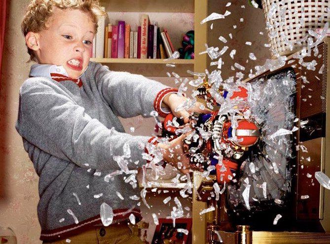 5 способов отучить малышей портить и ломать вещи