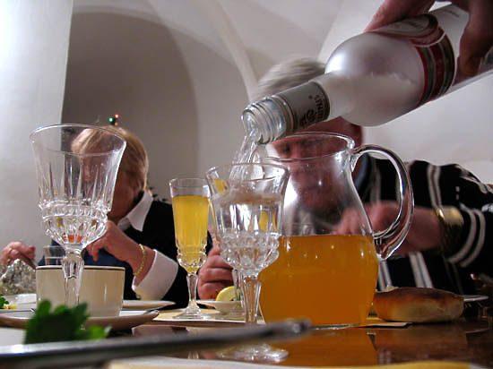 От трудоголизма до алкоголизма рукой подать
