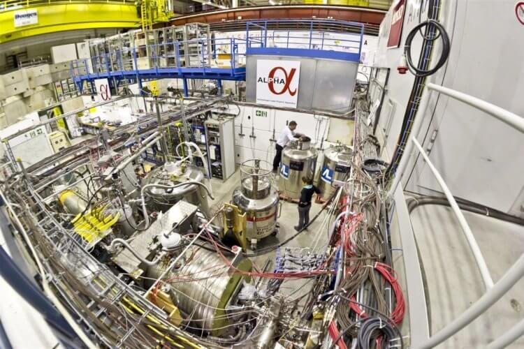 На пороге новой физики: учёные охладили антиматерию почти до абсолютного нуля