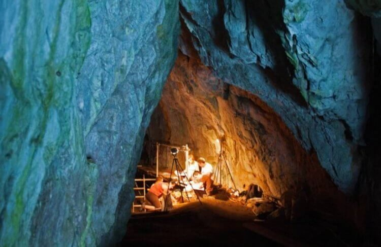 В пещере на Гибралтаре найдена потайная комната