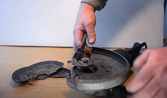 Как реанимировать болгарку, если диск зажало и разорвало
