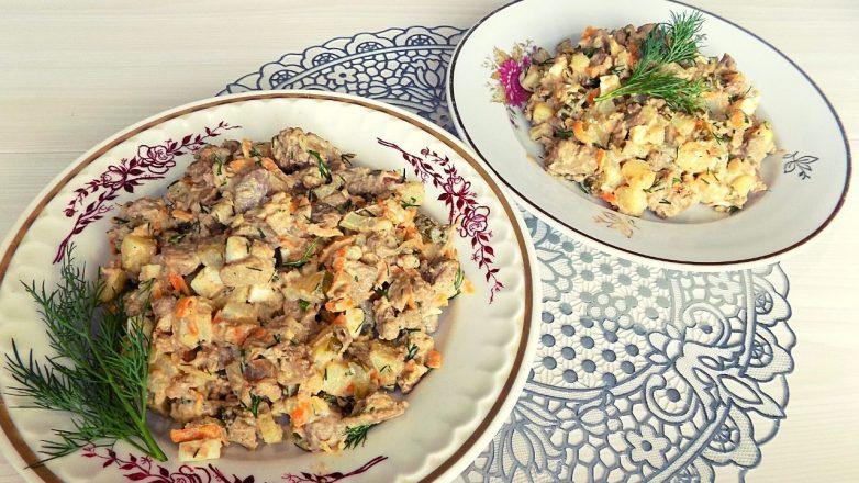Салат из куриной печени с солеными огурцами