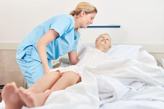Куда обращаться, если дома лежачий больной?