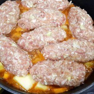 Картофель, капуста, фарш и сковородка. Рецепт для занятых хозяек
