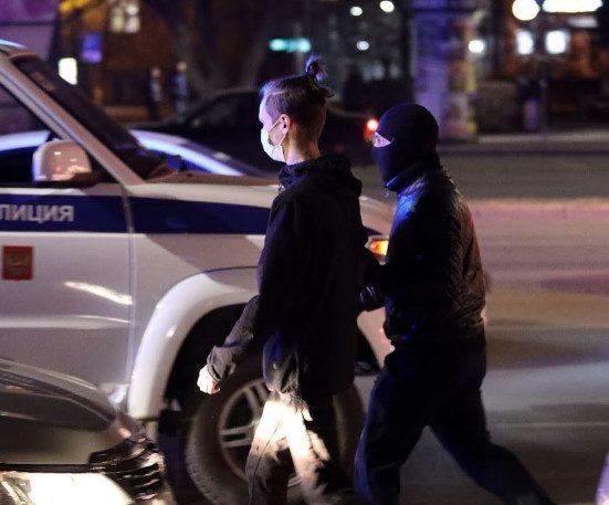 Суд Бурятии присудил компенсации матери 17-летнего подростка, запытанного до смерти в полиции