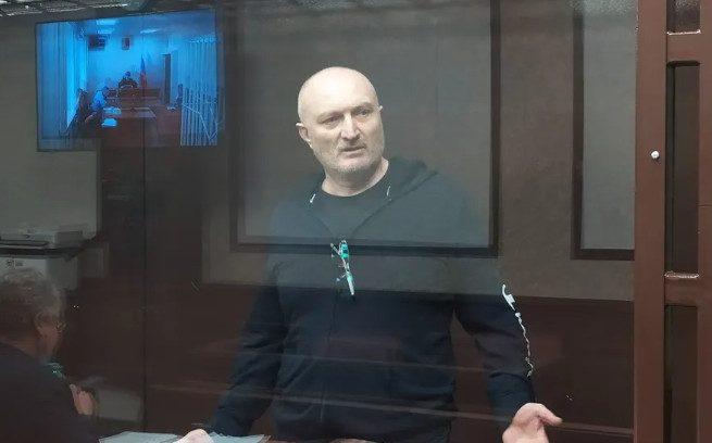 «Светит» пожизненное: начался суд над лидером банды киллеров Асланом Гагиевым