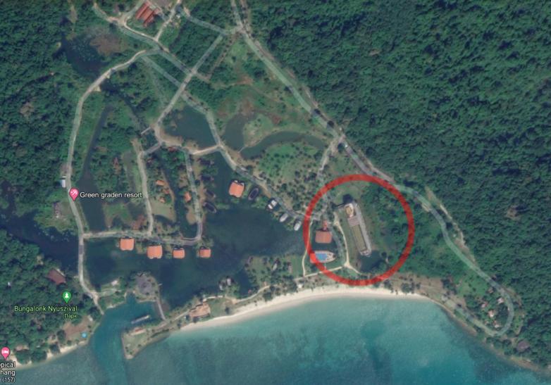 Заброшенное судно-отель в тайских джунглях