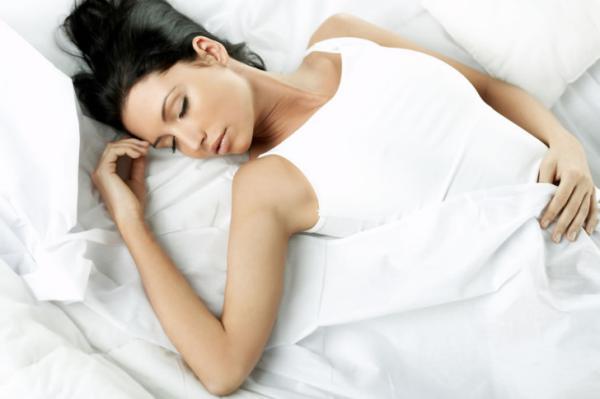 Как спать, чтобы на утро не было уставшего и отекшего вида