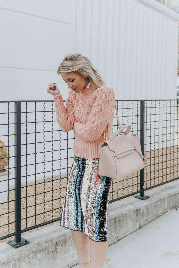 С чем носить блестящую юбку