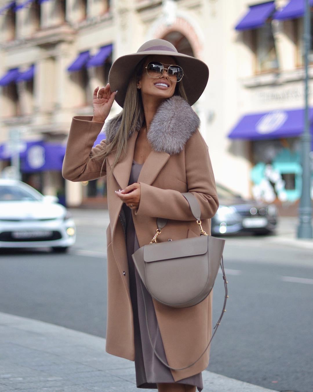 Как носить классическое пальто